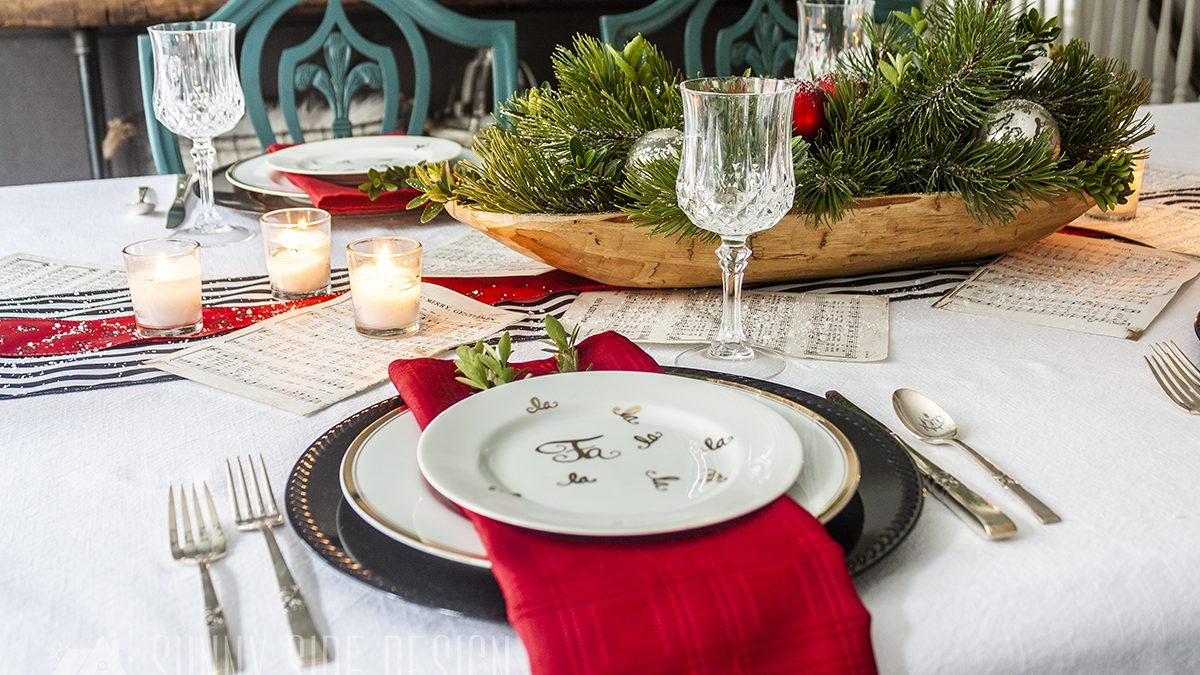Simple & Festive Holiday Table Decor