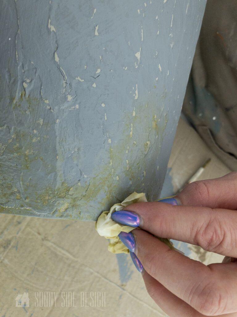 Paint moss on Faux Concrete Finish