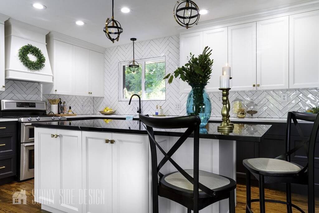 Timeless Black and White Kitchen