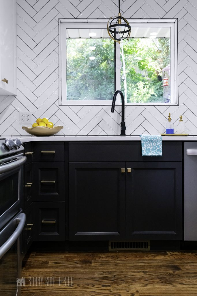 Designing a Black and White Kitchen