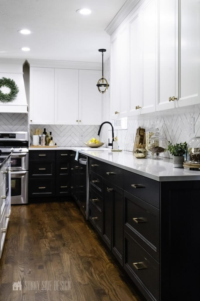 Timeless Black and White Kitchen.