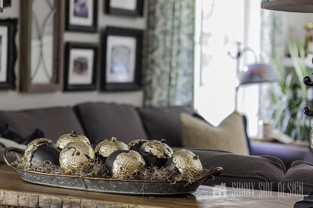 Fall decorating ideas - Guilding acorns