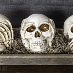 Halloween Decorating Ideas With Skeletons