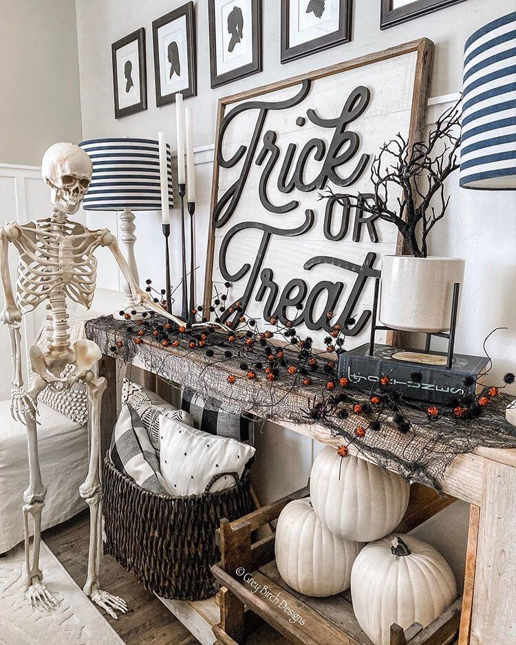 Ideas for Halloween Decor with skeletons