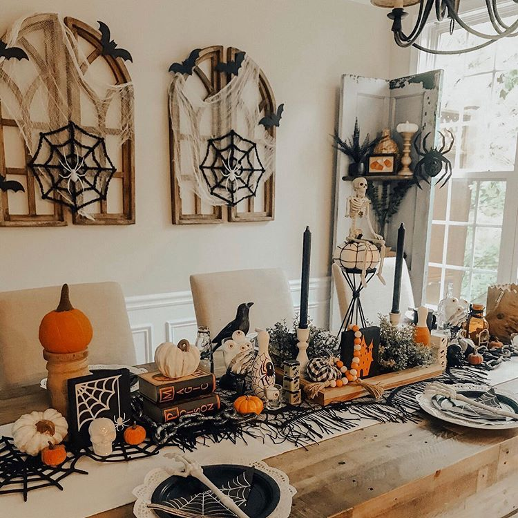 Beautiful Halloween Tablescape