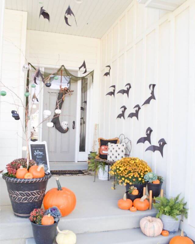 Halloween Decor Ideas for the Front Porch