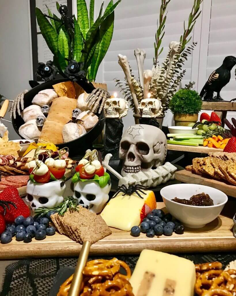 Halloween Decor Ideas for the Buffet Table