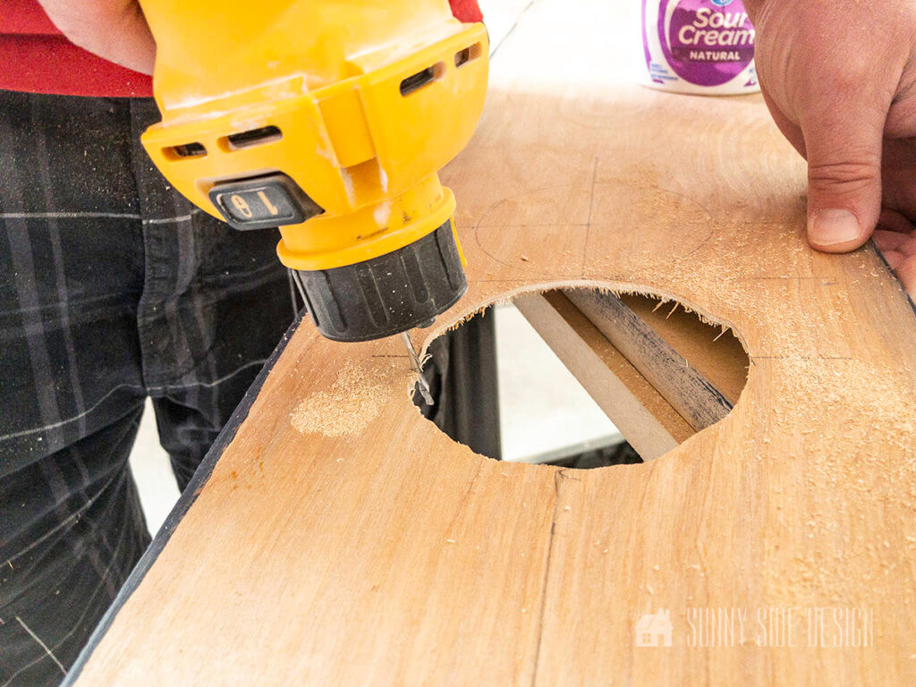 use rotary saw to cut circle for light fixture