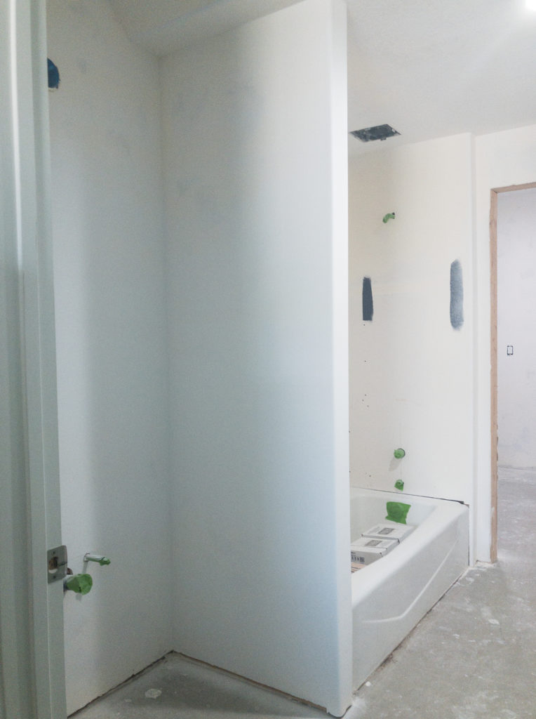 jack and jill bathroom before