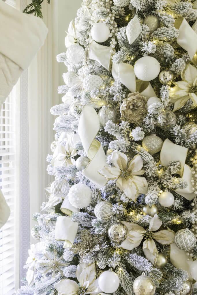 Elegent Christmas tree decorations by Jennifer Maune
