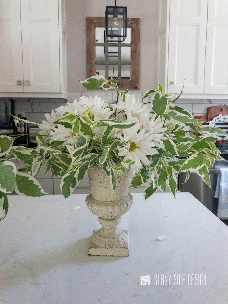 DIY FLOWER ARRANGEMENT WITH YOUR GARDEN FLOWERS