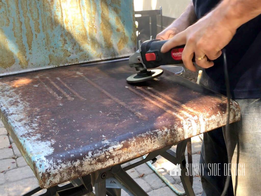 restore rusty furniture